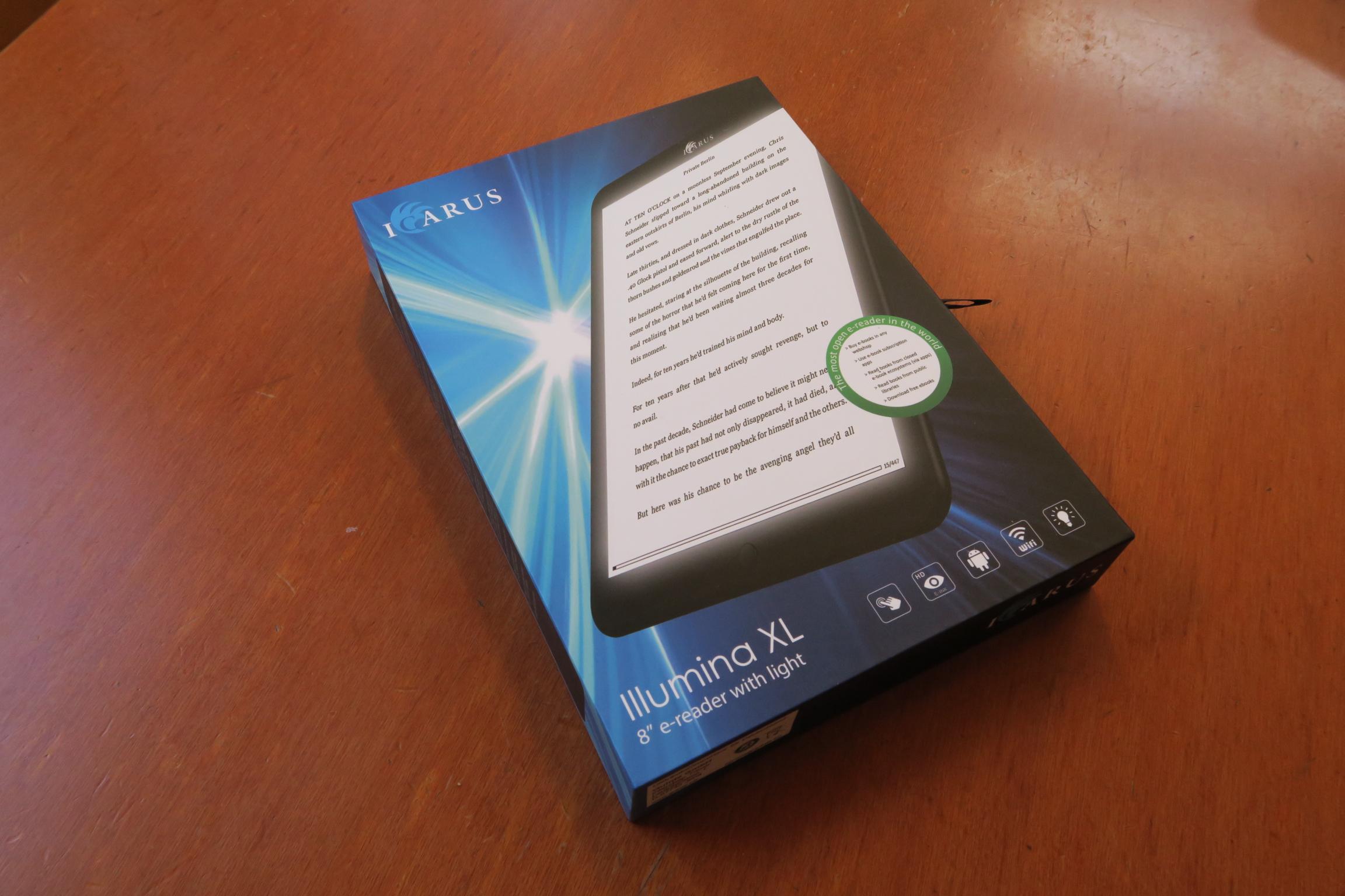日本最速レビュー!? 8インチ電子書籍リーダー「Icarus Illumina XL」開封の儀